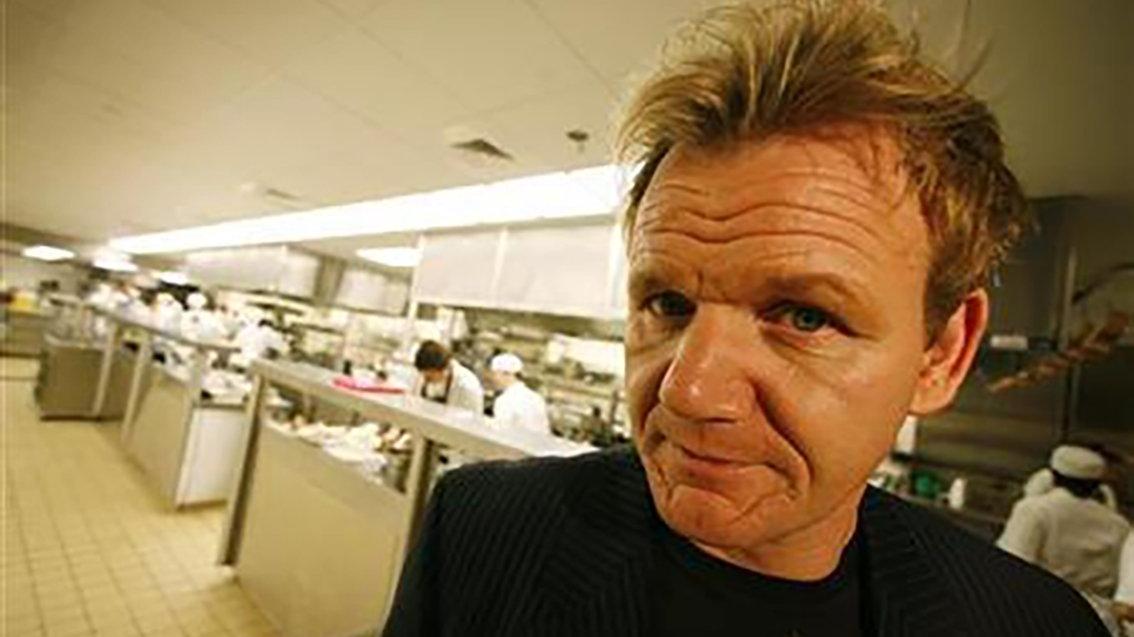 Ünlü şef Gordon Ramsay kendi silahıyla vuruldu: En iyi yemeğin bu mu?
