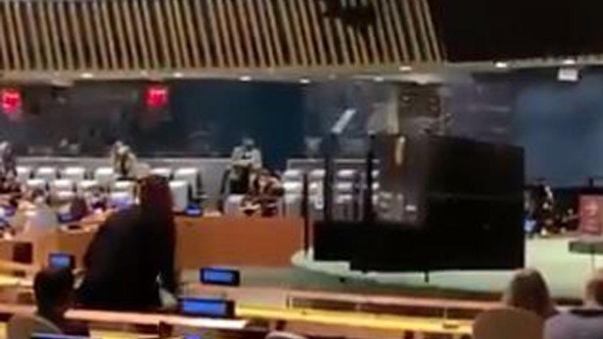BM'de rezillik: Erdoğan konuşurken salonu terk etti
