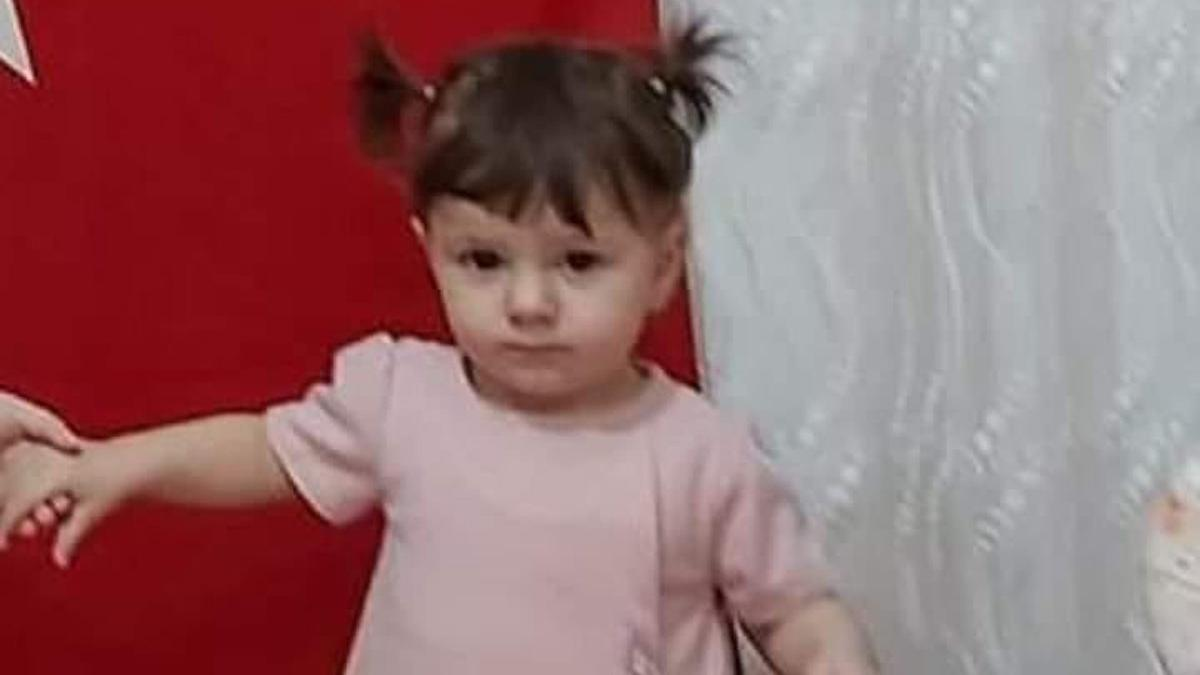 Canlı ders veren öğretmen çiftin 1,5 yaşındaki kızları balkondan düşüp öldü