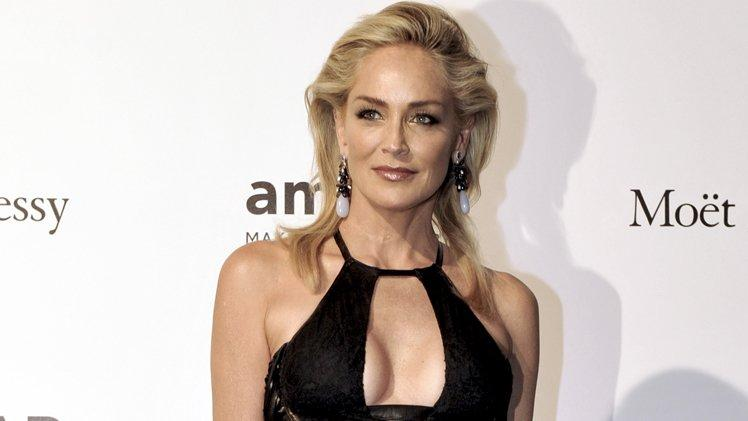 Sharon Stone 'En iyisi' diyerek öpüştüğü aktörü açıkladı