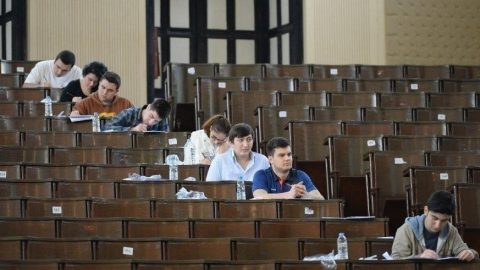 Üniversiteler açılacak mı? Hangi üniversitelerde uzaktan eğitim olacak?