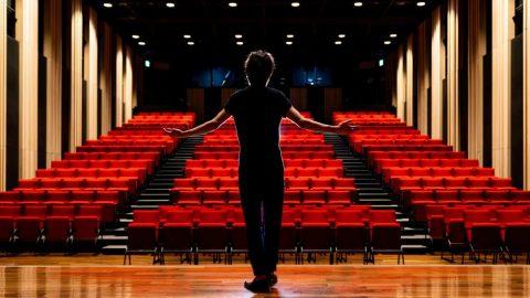 Mehmet Ergen: Tiyatro bugünü ne kadar anlatırsa o kadar çağdaş olur