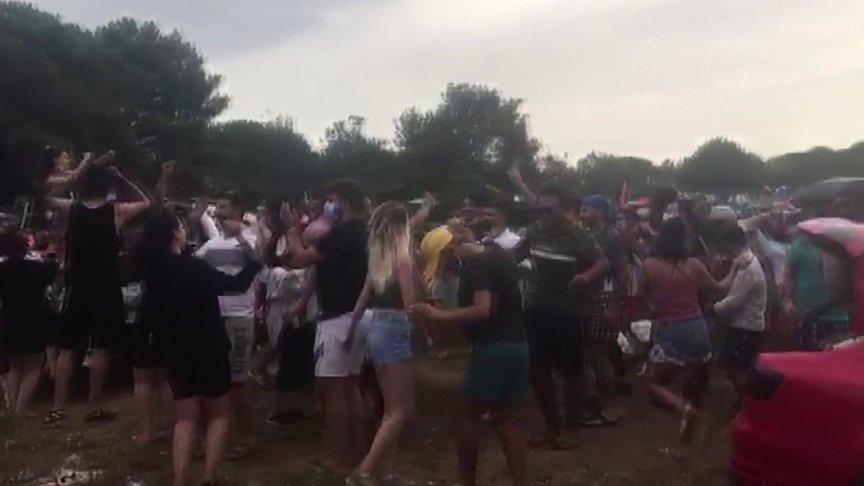 Coronafest... Pes dedirten görüntüler