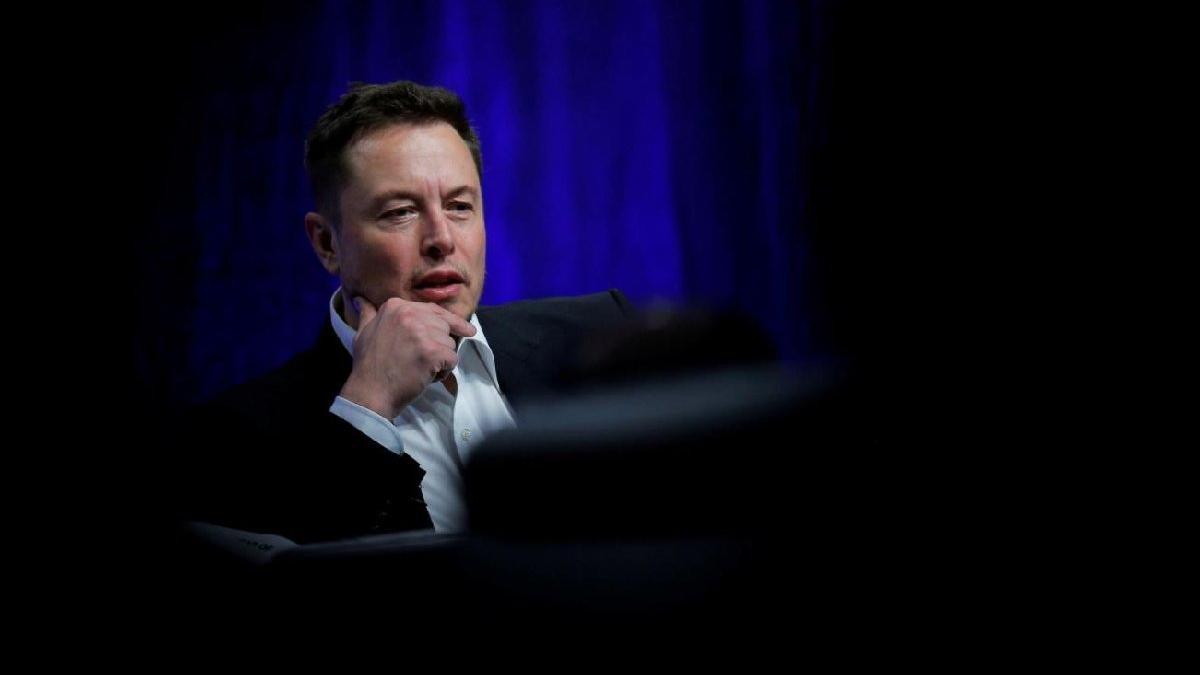 Elon Musk'tan Covid-19 aşısı kararı