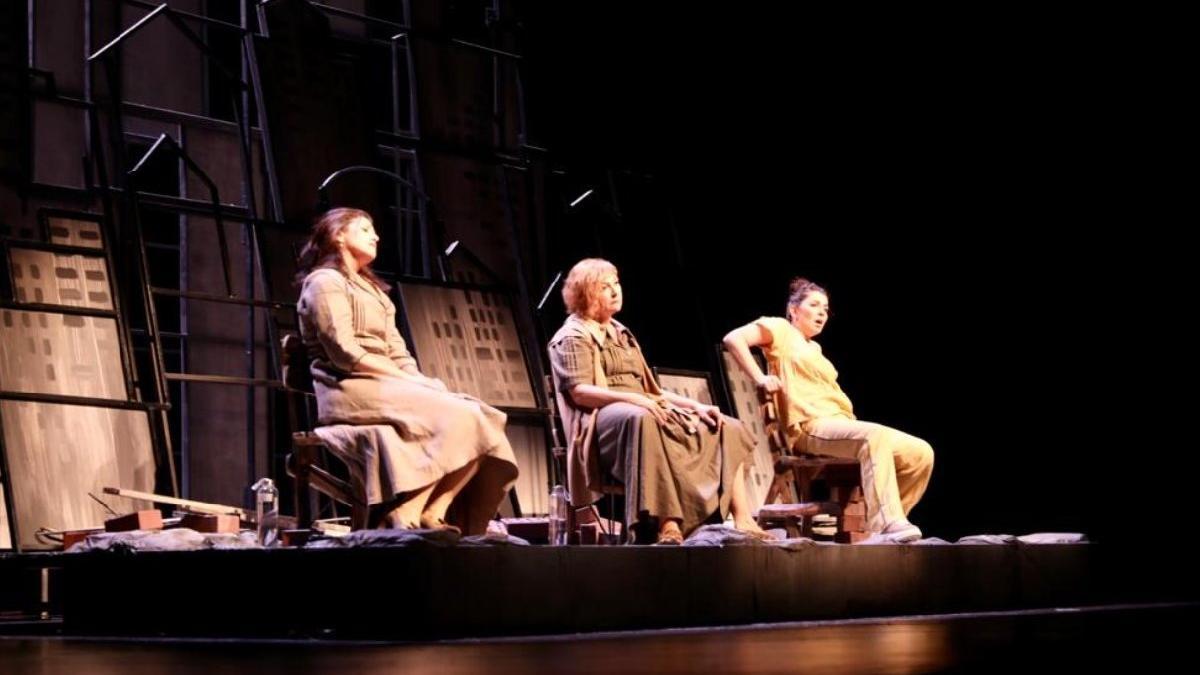 Şehir Tiyatroları'nın yeni sezonunda İmamoğlu'ndan müjde