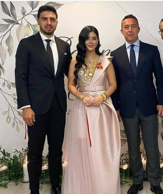 Ozan Tufan nişanlandı, kurdeleyi Ali Koç kesti - Magazin haberleri