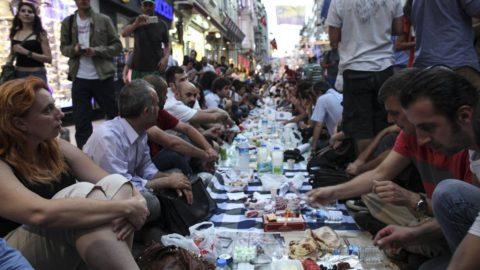 'Sokakta iftara' 3 yıl hapis istemi!