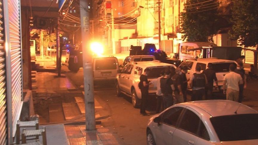 Diyarbakır'da markete EYP atıldı, iki noktaya bomba süsü verilmiş düzenek yerleştirildi