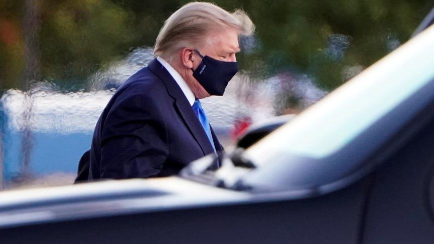 Coronaya yakalanıp hastaneye kaldırılan Trump'ın son durumu açıklandı