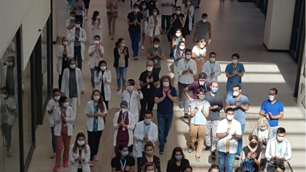 Son dakika... Şehir hastanesindeki hekimlerden 'ek ödeme' protestosu