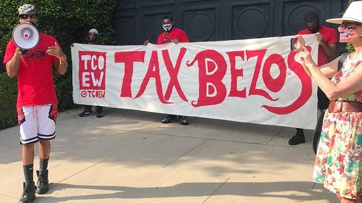Bezos'un 165 milyon dolarlık süper lüks evi önünde eylem