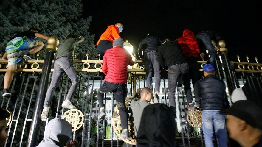 Kırgızistan'da seçim kaosu