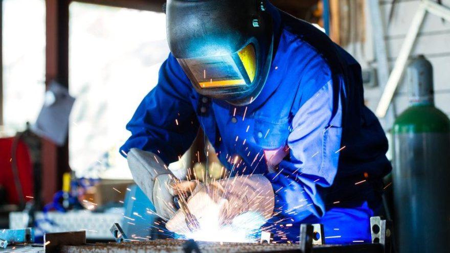 DİSK: İşçiler daha çok üretiyor ancak artıştan pay alamıyor