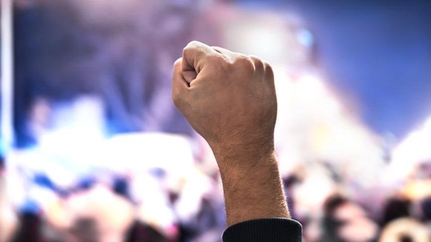Cumhurbaşkanı kararıyla Petrol-İş'in grevi ertelendi