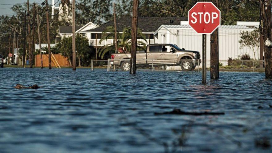 ABD'yi Delta Kasırgası vurdu