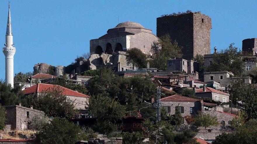 'Ölümsüz kent Assos'a ziyaretçi akını