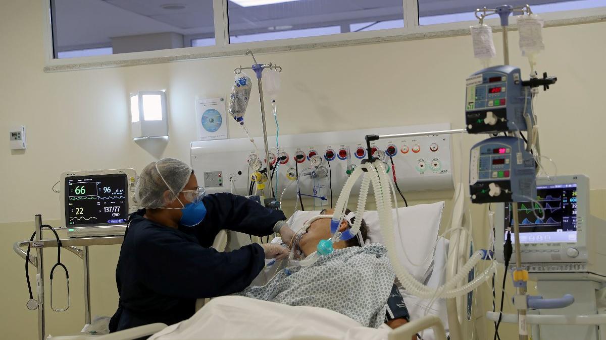 Corona virüsü salgını: Rusya'da çifte rekor kırıldı