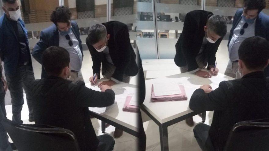 AKP'den kalan borç nedeniyle Esenyurt Belediyesi'ne haciz geldi