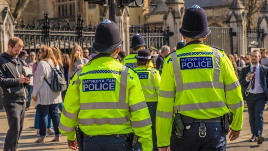 İngiltere'de gizli polislere görev için cinsel ilişki serbest: Görev zora girerse…