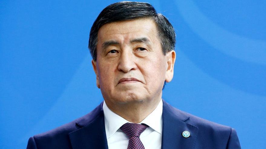 Kırgızistan'da tansiyon yükseldi: Cumhurbaşkanı istifa etti