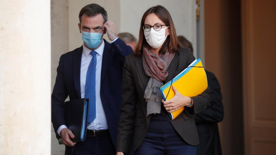 """Fransa'da sağlık bakanının evine """"Covid-19'u iyi yönetemedin"""" baskını"""