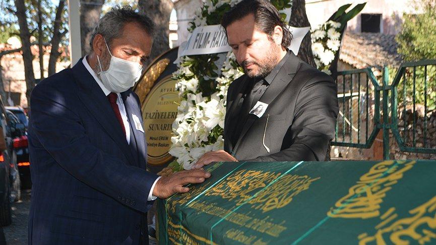 Yavuz Bingöl, kardeşinin cenazesinde ayakta durmakta güçlük çekti