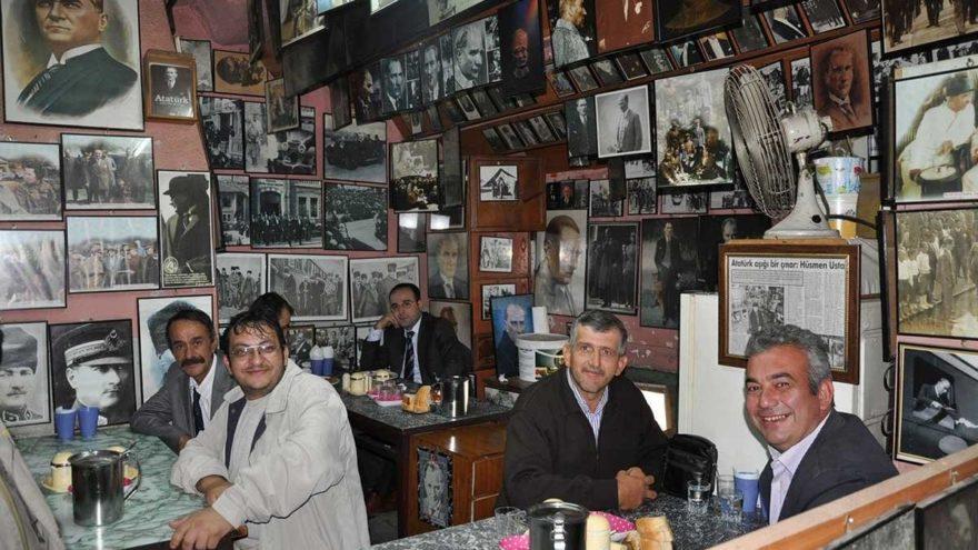 Kebapçı, dükkanının duvarlarını Atatürk fotoğrafları ile donattı