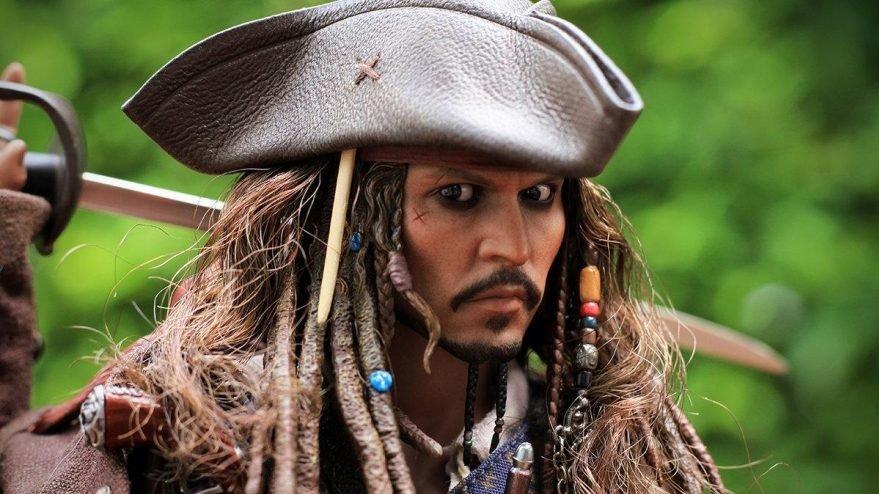 Johnny Depp: Siyah İnci'nin Laneti'ni batıracağım düşünüyorlardı