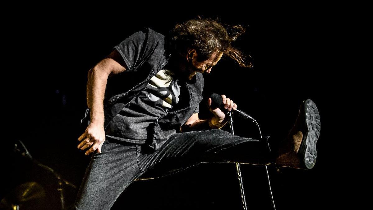 Sahne yok, sandık var! Ünlü rock grubu Pearl Jam, Trump'a karşı...