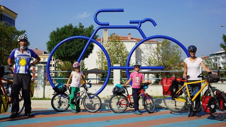 Lozan'dan Kırklareli'ne bisikletle geldiler