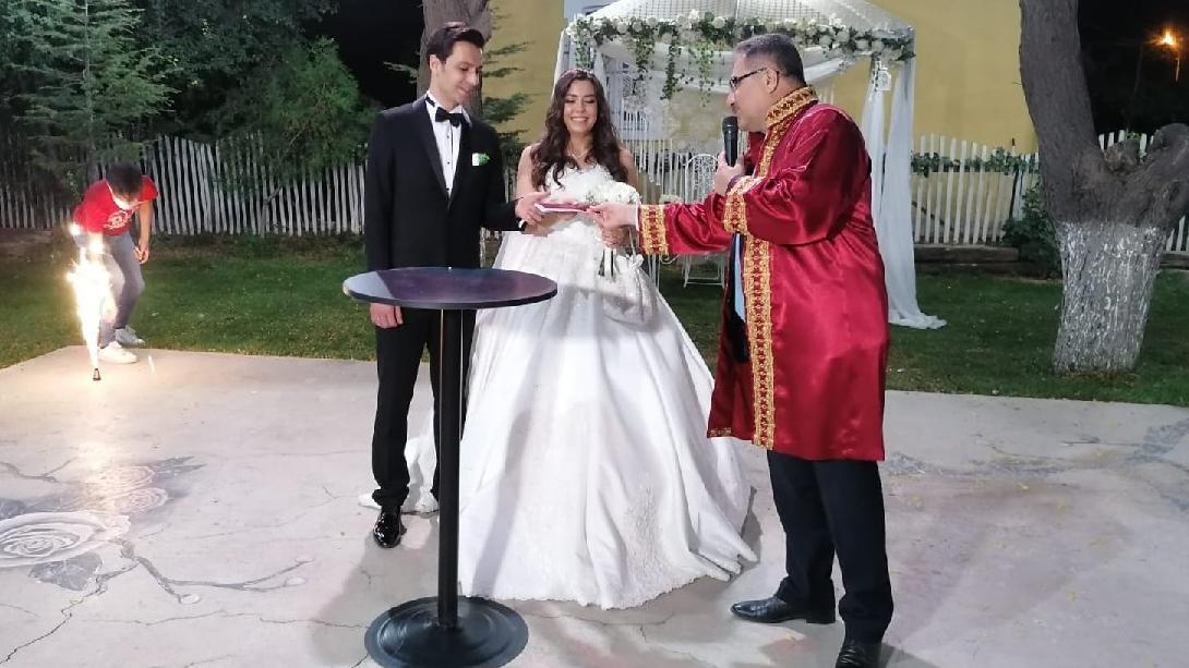 Pozitif çıkan AKP'li başkan nikah töreninde maske takmamış