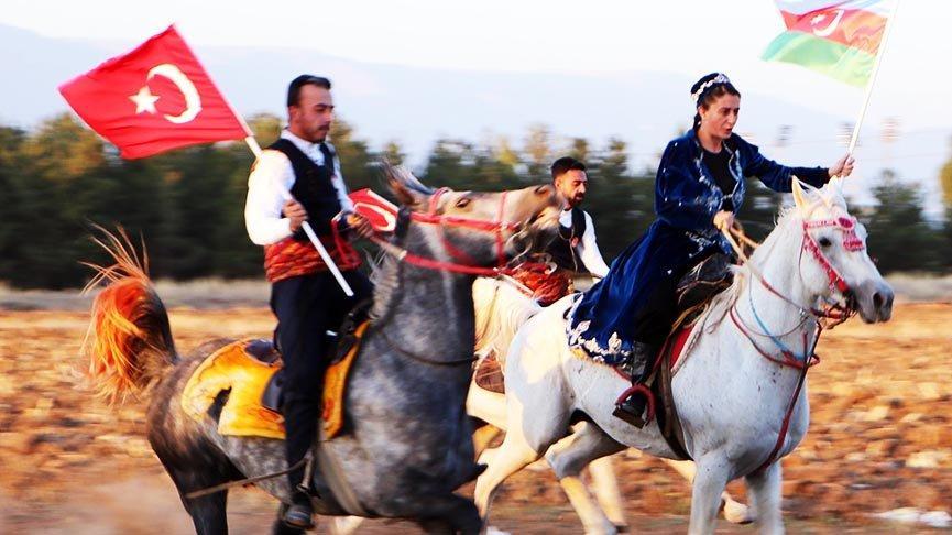 Dadaş amazonlar, Azerbaycan için atlarını dörtnala sürdü
