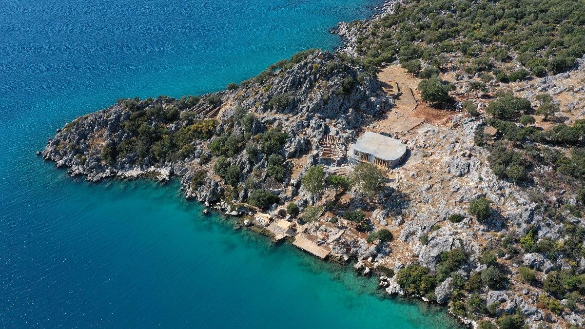 İngiliz şirketin doğa harikası yarımadadaki villa inşaatı tepki çekti