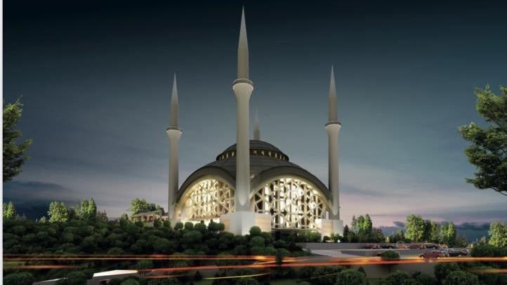 Rektörün, yurtsuz yerleşkeye 15 bin kişilik cami paylaşımı tepki çekti