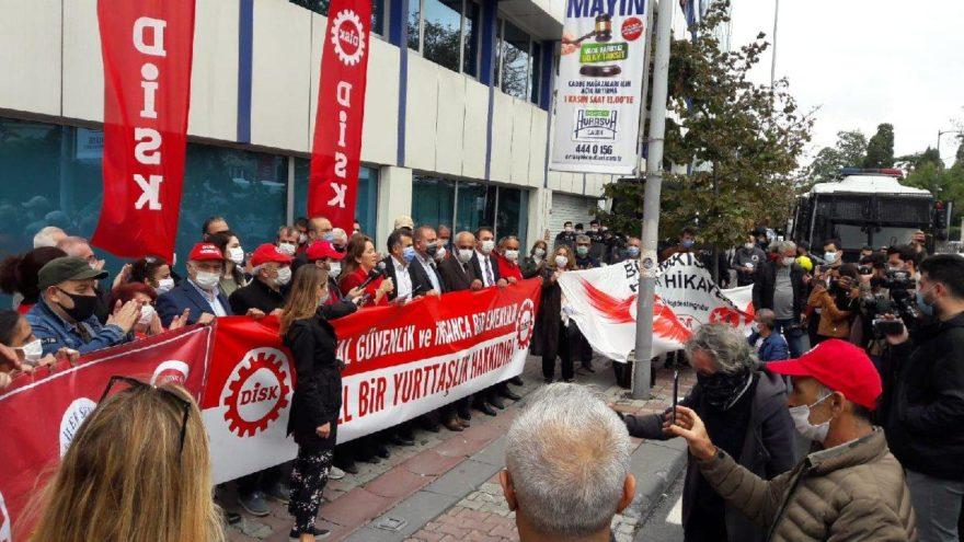 EYT'lilerden SGK İl Müdürlüğü önünde açıklama