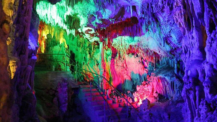 Saçı dökülenler Keloğlan Mağarası'na akın ediyor