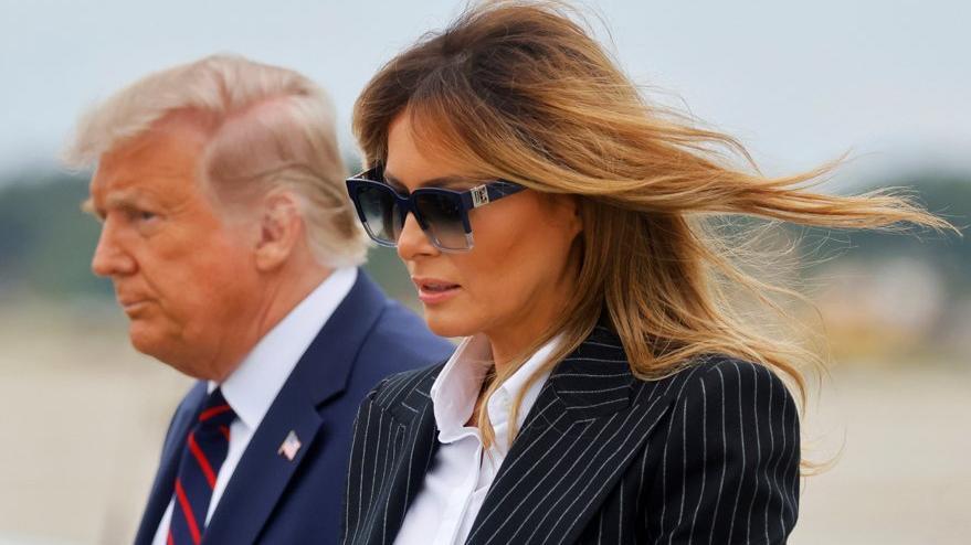 Melania Trump öksürdüğü için mitinge katılmayacak
