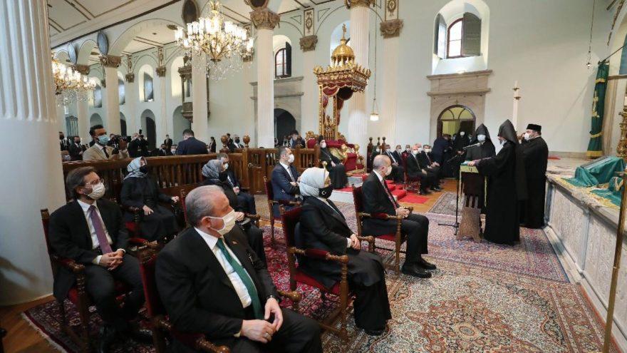 AKP'li Markar Esayan son yolculuğuna uğurlandı