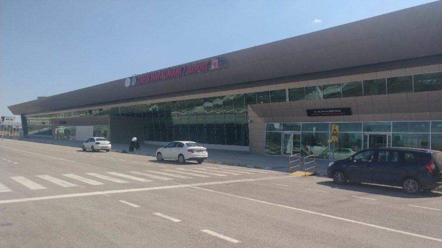 """10 havalimanı """"daimi hava hudut kapısı"""" ilan edildi"""