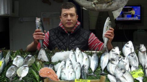 Eskiden halkın balığı olan lüfer şimdi lüks restoranlarda