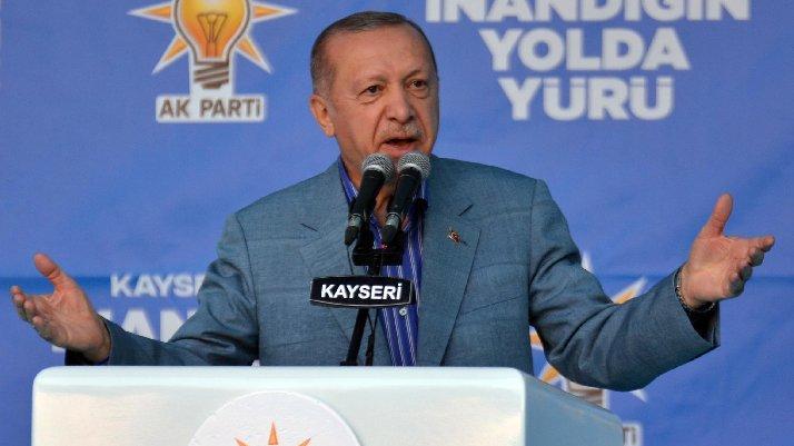 Cumhurbaşkanı Erdoğan'dan Macron'a sert sözler: Tedaviye ihtiyacı var