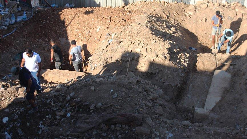 İnşaat kazısında tarihi duvarlara rastlandı
