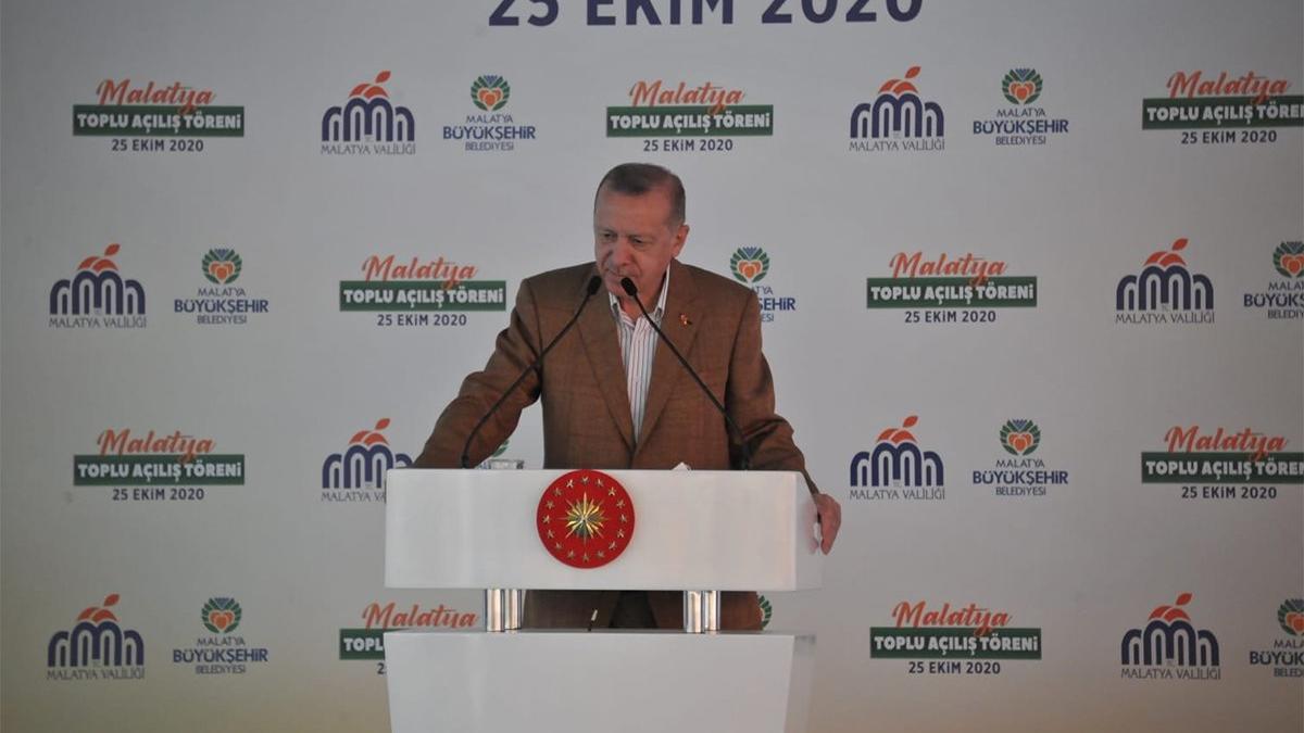 Açılışa katılan Erdoğan Bakan Varank'ı konuşturmadı