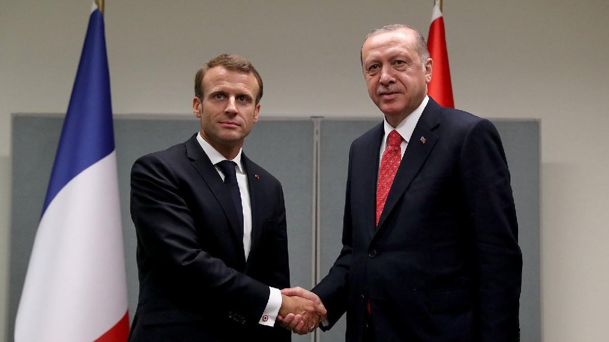 Guardian'dan Erdoğan-Macron gerilimi yorumu: İkisinin de işine yarıyor