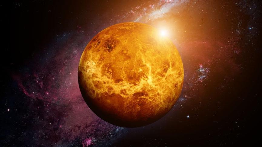 Venüs 21 Kasım'a kadar tahtında
