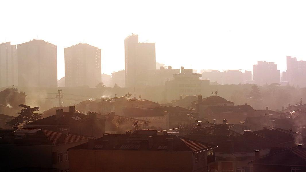 Hava kirliliği Covid-19'dan ölüm riskini arttırıyor