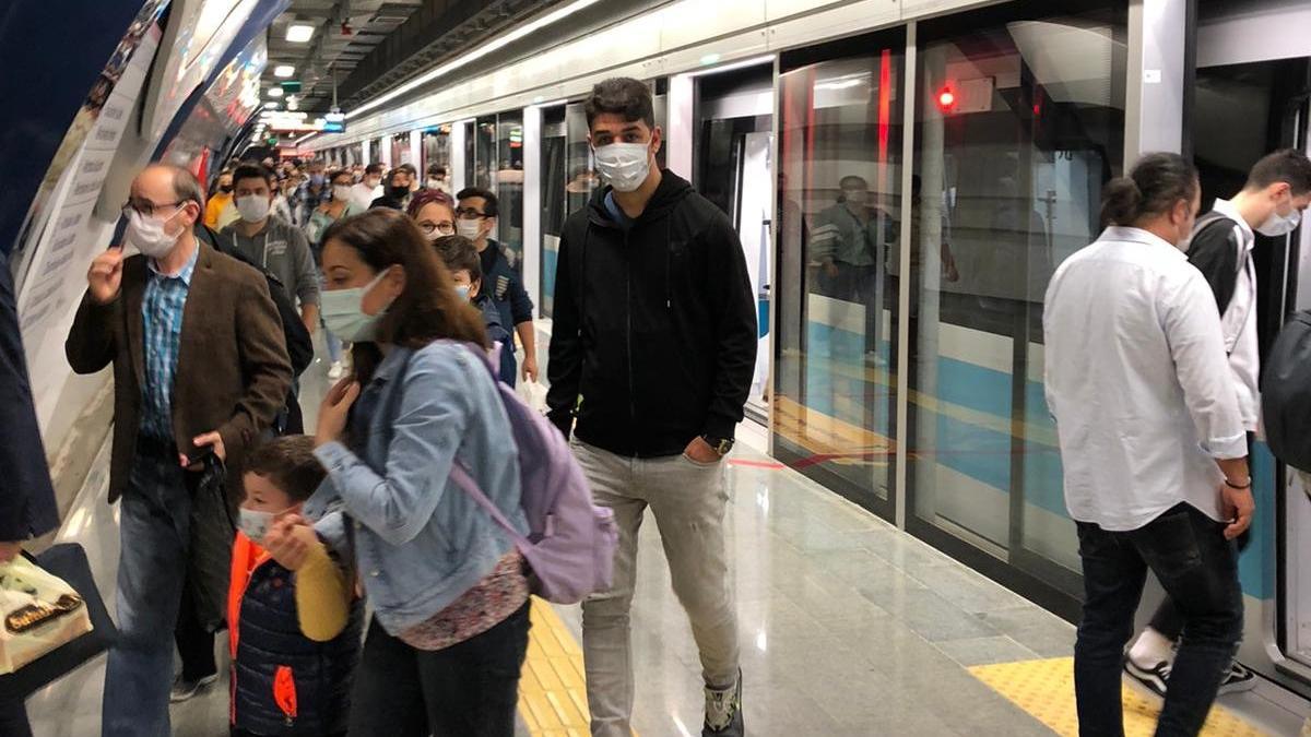 İmamoğlu start verdi, Mecidiyeköy - Mahmutbey Metrosu'nda seferler başladı