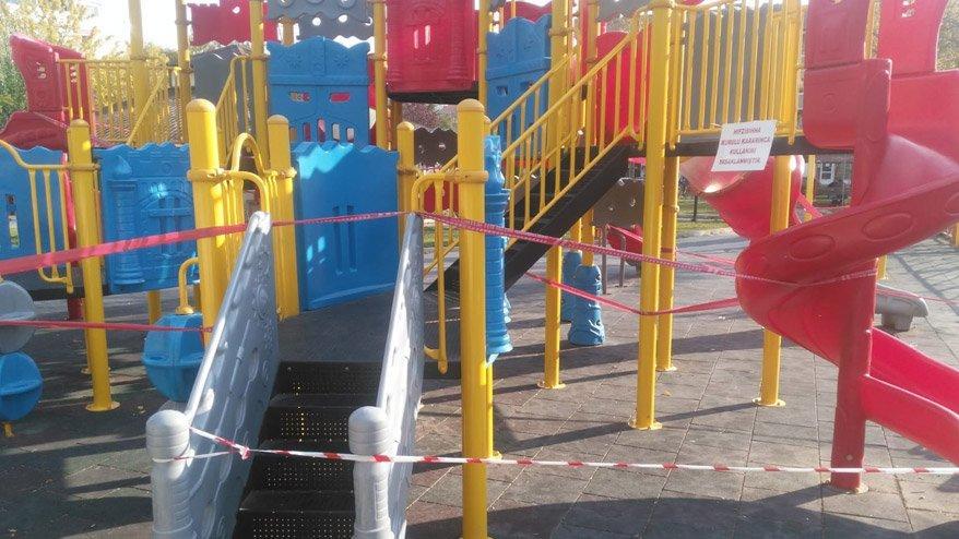 Çocuk parklarına corona yasağı getirildi