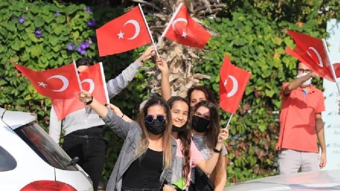 Cumhuriyet'in 97'nci Yıldönümü: Bütün Türkiye kırmızı beyaz