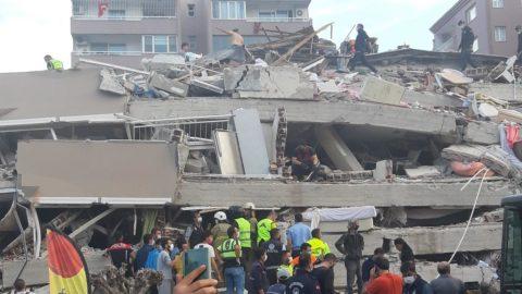İzmir'de tarihe geçen deprem!
